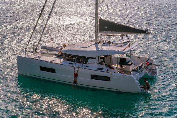 Lunatrips - Lagoon 400s2 - 14