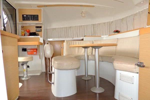 lagoon-380-livingroom