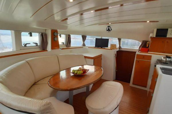 lunatrips lagoon 380 catamaran 04-min