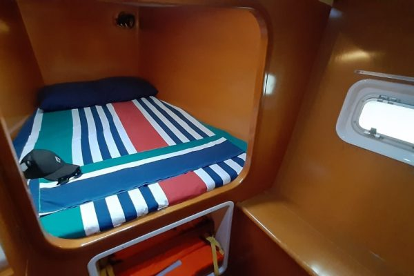 lunatrips lagoon 380 catamaran 15-min