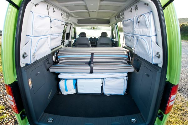 vw-caddy-tramper-inside-view-from-the-bootlid-door